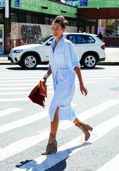 Lucy Williams // blue shirtdress & embroidered floral ankle boots #style #fashion #streetstyle