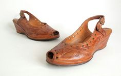 71692e1286cf 25 Fascinating FOOTWEAR Tooled Leather images in 2019