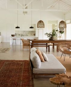 Home Living Room, Living Room Decor, Living Spaces, Home Interior Design, Interior Decorating, Filipino Interior Design, Interior Plants, Casa Clean, Style Deco