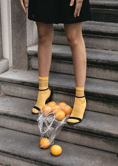 How to wear light socks with strappy sandals? Creative co-Wie trägt man helle Socken mit Riemchensandalen? Creative content direction by fash How to wear light socks with strappy sandals? Creative content direction by fash … - Fashion Foto, Trendy Fashion, Spring Fashion, Fashion Shoes, Fast Fashion, White Fashion, Urban Fashion, Dress Fashion, Street Fashion