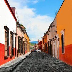 No quiero irme de estas calles... 📍 San Miguel de Allende, México.    #sanmigueldeallende #primerolacomunidad #communityfirst #hallazgosemanal