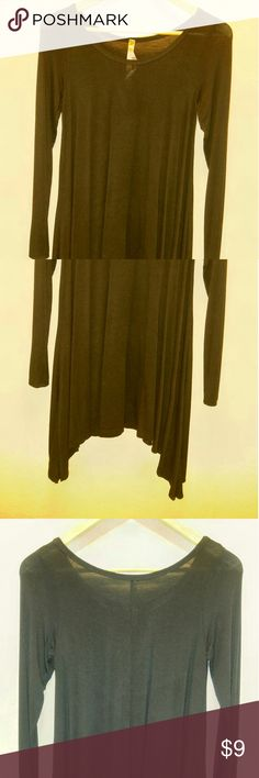 Black blouse Black long sleeve blouse, very spacious. It could match with a pair of leggings. Tops Blouses
