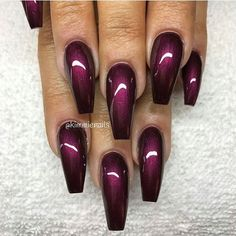 The advantage of the gel is that it allows you to enjoy your French manicure for a long time. There are four different ways to make a French manicure on gel nails. Get Nails, Fancy Nails, Love Nails, How To Do Nails, Hair And Nails, Fabulous Nails, Gorgeous Nails, Pretty Nails, Nail Deco