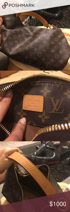 Louis Vuitton bag Louis Vuitton bag hardly used with dust bag. Louis Vuitton Bags Shoulder Bags