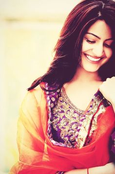 Discovered by Mac nunu puff. Find images and videos about anushka sharma on We Heart It - the app to get lost in what you love. Anushka Sharma Virat Kohli, Virat And Anushka, Actress Anushka, Bollywood Actress, Indian Celebrities, Bollywood Celebrities, Bollywood Stars, Bollywood Fashion, Glamour World