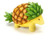 Pineapple Hedgehog Fruit Art and This Fruit Carving Will Amaze You L'art Du Fruit, Deco Fruit, Fruit Art, Fresh Fruit, Fruit Salad, Fruit Snacks, Fruit Sculptures, Food Sculpture, Veggie Art