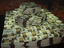 Imagen de billetes relacionada con los casinos online y como conseguir dinero facilmente gracias a ellos.