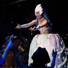あなたにぃ のところかな  綺麗すぎる女王 さま #ピューロアンバサダー  #闇の女王 #ブーヨ  #miraclegiftparade #ミラクルギフトパレード #puroland #ピューロランド #ピューロランドダンサー  #ピューロダンサー   #kawaii #cool #冬ピューロ  #puro25th #シルエット  撮影:2016.12.23 #安崎ちひろ さん Ballet Skirt, Costumes, Skirts, Instagram Posts, Fashion, Moda, Dress Up Clothes, La Mode, Skirt