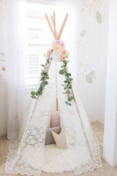 Quinn's Airy Floral Nursery Quinn's Airy Floral Nursery – Project Nursery Rose Nursery, Floral Nursery, Nursery Room, Floral Bedroom Decor, Floral Room, Woodland Nursery Girl, Bohemian Nursery, Diy Girl Nursery Decor, Girl Nursery Themes