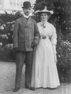 Grand Duchess Marie Pavlovna (The Younger) with her maternal grandfather, King George I of the Hellenes