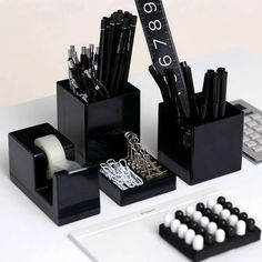 Ideas to give your school things a black touch black desk