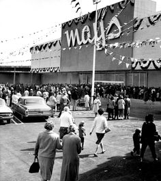Mays - this one in Massapequa Park closed in 1982