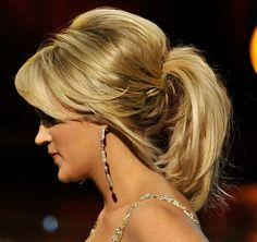 Carrie Underwood Loose Ponytail - Carrie Underwood Updos - StyleBistro