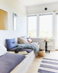 Want to find out about bike shed plans? Then this is definitely the right place! Diy Sofa, Small Space Living, Living Spaces, Living Room, Homemade Sofa, One Room Apartment, Interior Architecture, Interior Design, House Rooms