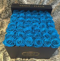 If someone ends up buying me a ton of roses, I want them to be a lil unique.  - ETERNITY DE VENUS ™ - Lasts One Year – Venus ET Fleur