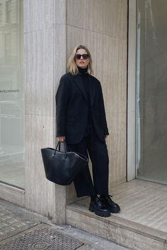 Fall Transition Outfits, Simple Fall Outfits, Warm Outfits, Winter Fashion Outfits, Autumn Winter Fashion, Fashion Fall, Street Fashion, All Black Fashion, All Black Outfit