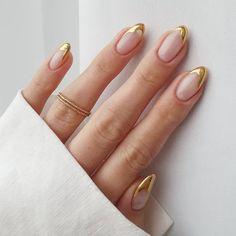 Gold Tip Nails, Cute Acrylic Nails, Nude Nails, Gold Nail Art, Gel Toe Nails, Gold Manicure, Sky Nails, Claw Nails, Nail Nail