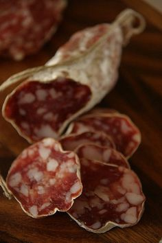 GUIDE TO CURED ITALIAN MEATS: SALAMI, SALAME, OR SALUMI
