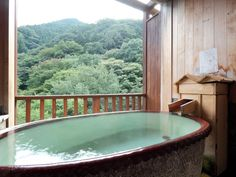 NEW Two rooms that come with open-air hot spring baths. Hot Tub Backyard, Japanese Bath, Gunma, Spring Nature, Whirlpool Bathtub, Hot Springs, Travel Inspiration, Restoration, Beautiful Places