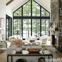 。:°ஐ*。:°ʚ♥ɞ*。:°ஐ* Interior designer Anne Hepfer's modern rustic summer lake house in Muskoka.