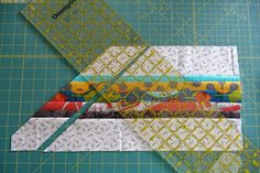 ******I need to start off by saying that there are probably other tutorials out there for piecing arrows, but this is what I did to make min. Quilting Tutorials, Quilting Designs, Quilting Ideas, Arrow Quilt, Southwest Quilts, Star Quilt Blocks, Block Quilt, Native American Symbols, Arrow Pattern