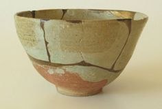 Celebrated scars. A bowl with #kintsugi