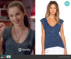 Bay's blue paint splatter tee on Switched at Birth.  Outfit Details: http://wornontv.net/52151/ #SwitchedatBirth