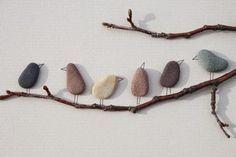 Foto: Süßes Vogelbild aus Steinen basteln, tolle Idee. Veröffentlicht von…