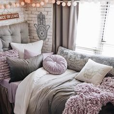 Room colors: learn how to choose with references and practical tips - Home Fashion Trend Lilac Bedroom, Bedroom Colors, Purple Bedroom Design, Purple Bedroom Accents, Bedroom Ideas Purple, Lavender Bedrooms, Dark Purple Bedrooms, White Bedroom, Purple Dorm Rooms