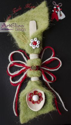 Another spoon martenitsa with some more handmade ornaments. Baba Marta, Wire Crochet, Handmade Ornaments, Spoon, Diy And Crafts, Bulgarian, Christmas Ornaments, Holiday Decor, Hangers
