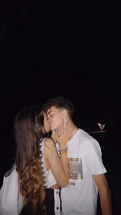 Teen Couples, Cute Couples Photos, Cute Couples Goals, Romantic Couples, Boyfriend Pictures, Boyfriend Goals, Future Boyfriend, Cute Couple Videos, Cute Couple Pictures