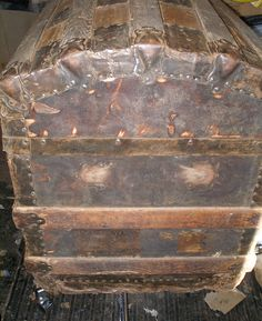 Restoration Procedures and Information is part of Antique steamer trunk - Wooden Trunks, Old Trunks, Vintage Trunks, Trunks And Chests, Antique Trunks, Antique Restoration, Furniture Restoration, Interior Paint Colors For Living Room, Room Interior