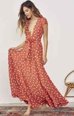 How absolutely romantic is this bohemian polka dot maxi wrap dress Women's Fashion Dresses, Casual Dresses, Summer Dresses, Girl Fashion, Maxi Wrap Dress, Dress Up, Wrap Dresses, Long Dresses, Pantalon Orange