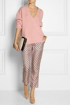Off-white silk-twill Pink, gray and plum geometric print, elasticated waistband, slit pockets Concealed hook and zip fastening at front silk Dry clean 50 Fashion, Look Fashion, Fashion Outfits, Womens Fashion, Fashion Trends, 2000s Fashion, Vintage Fashion, Classy Outfits, Stylish Outfits