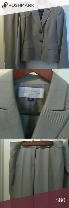 Tahari Arthur S. Levine Petite Woman's Suit This woman's suit is great for work or a special occasion used once in excellent condition it's stripe Tahari Woman Other