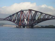 Firth of Forth Rail Bridge, Queensferry, Scotland, UK