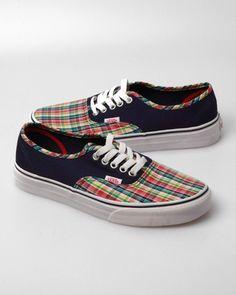 Van's Men's Prep Authentic Sneaker