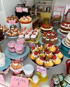 Bon Ap, Party Food Platters, Baking Company, Food Obsession, Cute Desserts, Cafe Food, Pretty Cakes, Aesthetic Food, Food Cravings