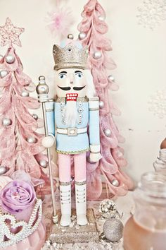 Wonderland by Dana: how cute is this pink Christmas!