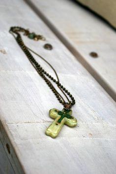 Mixed media cross: Easycast, brass, resin..... Copper, Brass, Arrow Necklace, Resin, Mixed Media, Handmade Jewelry, Jewellery, Sterling Silver, Jewels