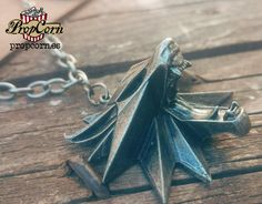the WITCHER Geralt's MEDALLION School of the WOLF pendant Necklace Cosplay Larp…