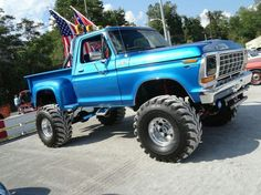 I actually fancy this color scheme for this 1983 Big Ford Trucks, 1979 Ford Truck, Classic Ford Trucks, Ford 4x4, Ford Bronco, Cool Trucks, Pickup Trucks, Lifted Trucks, Old Fords