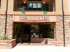The Olive Tap is among a handful of stores with access to the freshest selection of Extra Virgin Olive Oils in the United States and currently offers over thirty fresh Extra Virgin Olive Oils and Balsamic Vinegars.