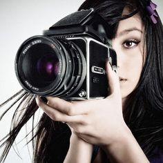 ガール・テイク・フォトグラフ!カメラを構えた美女写真集! - NAVER まとめ