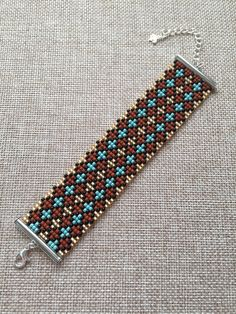 This Pin was discovered by der Loom Bracelet Patterns, Bead Loom Bracelets, Bead Loom Patterns, Beading Patterns, Minecraft Pattern, Bead Loom Designs, Beaded Crafts, Handmade Beads, Beads And Wire
