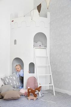 LOVE this castle for a kid's bedroom or playroom. Girl Room, Girls Bedroom, Baby Room, Nursery Room, Play Corner, Kids Corner, Baby Dekor, Deco Kids, Kid Spaces