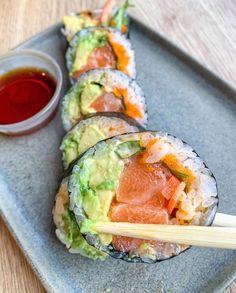 I Love Food, Good Food, Yummy Food, Sushi, Japan Street Food, Jai Faim, Cooking Recipes, Healthy Recipes, Food Is Fuel