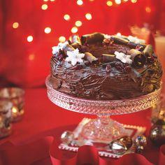 Easy Chocolate Wreath Cake - Woman And Home