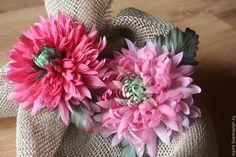 """Купить Брошь """"Шелковая Хризантема"""" - розовый, для женщин, для мужчин, свадебная бутоньерка, хризантема из шелка"""