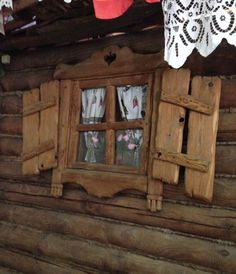 Rustic Wood Furniture, Log Furniture, Storybook Homes, Door Gate Design, Wood Joints, Rustic Cabinets, A Frame House, Rustic Bedding, Timber House